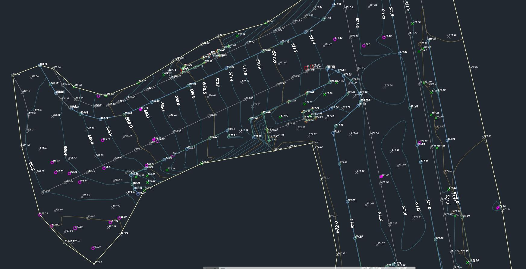Digitales Geländemodell mit Höhenkurven